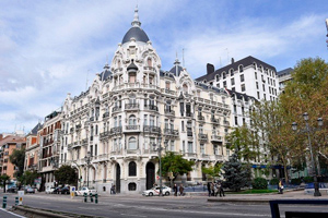 Tour Madrid by car