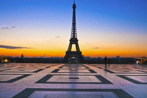 Tour of Paris by night + Dinner in the Champs Elysées