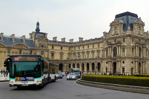 Getting around Paris by Bus
